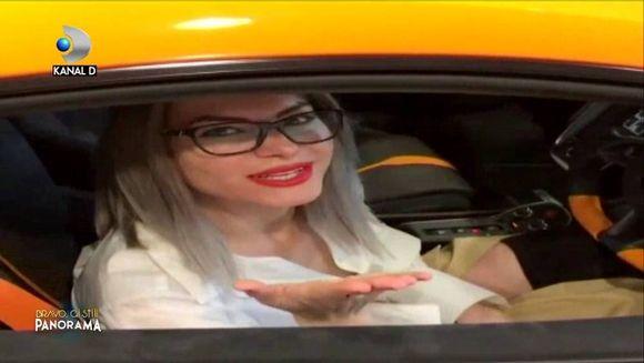 """Danuta, despre masina de 200.000 de euro cu care s-a fotografiat dupa ce a parasit """"Bravo, ai stil!"""": """"Mi-am cumparat-o eu singura!"""" Credeai ca e profesoara in Anglia? Te-ai inselat! Pusa la zid de o spectatoare curioasa, tanara dezvaluit cu ce se ocupa i"""