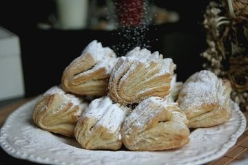 Reteta traditionala pentru masa de Craciun - Cum faci haioase din aluat cu osanza