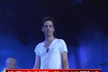 Stefan Banica, napadit de amintiri? Uite ce mesaj a transmis pe scena la un concert VIDEO