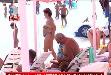 Gheorghe Zamfir, un anonim pe plaja la Mamaia VIDEO