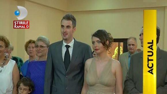 Casa de piatra, Ernest! Prezentatorul TV s-a casatorit civil cu iubita lui VIDEO