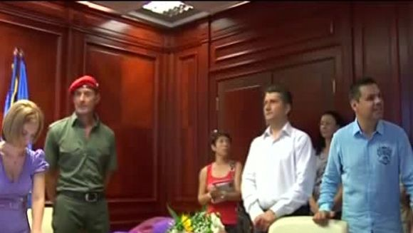Radu Mazare socheaza din nou! S-a descaltat in sala de judecata VIDEO