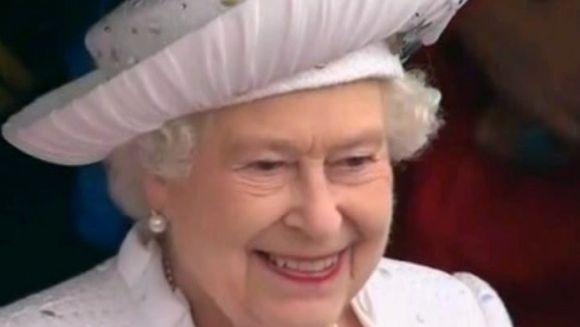 Regina Elisabeta a II a, lectie de stil, rafinament si eleganta la jubileul de diamant! VIDEO