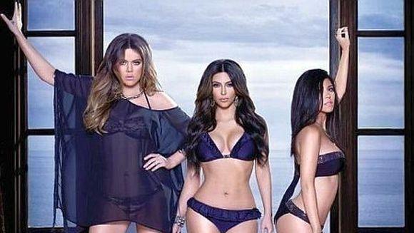 Photoshop sau nu? Uite ce forme are Kim Kardashian in cea mai recenta sedinta foto