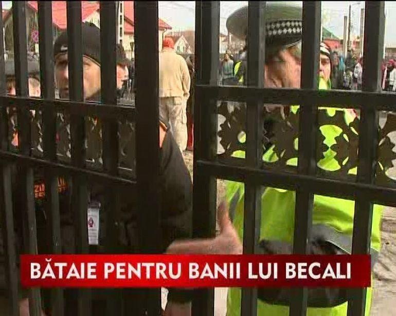 Gigi Becali a dat 80 000 de lei colindatorilor care s-au calcat in picioare VIDEO