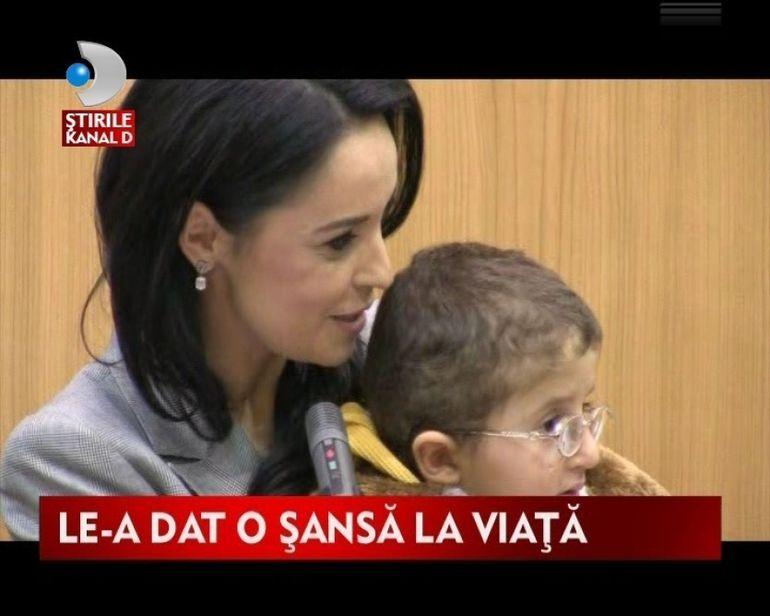 Andreea Marin Banica face minuni inainte de Craciun! VIDEO