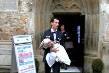 Botez cu staif in familia primarului din Piatra-Neamt! Pinalti si-a botezat nepotica
