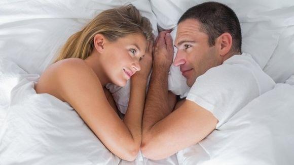 Spune-mi cum dormiti, ca sa va spun ce tip de relatie aveti!