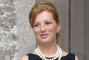 Ioana Basescu, nunta in SECRET la Azuga. Sora sa, Elena, a lipsit de la ceremonie