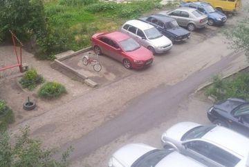 Si-a lasat bicicleta pe un loc de parcare cateva minute, dar cand s-a intors… continuarea te va soca!