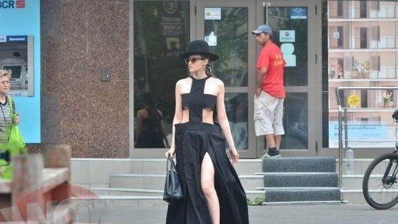 Escapada neasteptata pentru Iulia Albu! Fashion editorul a parasit Capitala in mare graba