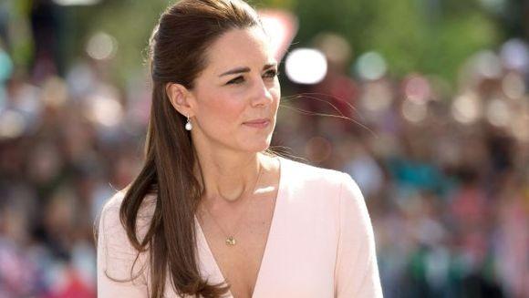 Ducesa de Cambridge, insarcinata in zece saptamani, afectata de greturi severe