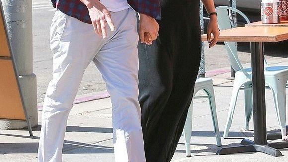 SOC la Hollywood. Un actor celebru, ACUZAT ca si-a inselat frumoasa sotie in timp ce aceasta era insarcinata