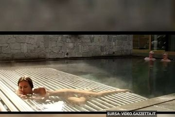 Imagini provocatoare cu Madalina Ghenea! Frumoasa romanca a fost filmata goala pusca intr-o piscina din Alpi