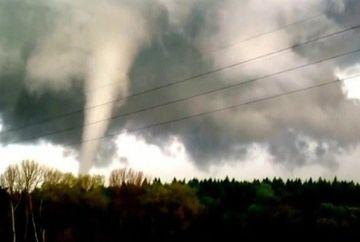 Fac prapad! Mai multe tornade au lovit Statele Unite si Germania
