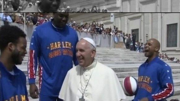 Imagini inedite din cetatea Vaticanului! Papa Francisc, filmat intr-o ipostaza demna de toata admiratia