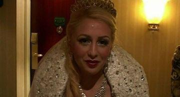 Nunta mare la palat, in Germania! Uite ce rochie extravaganta a purtat mireasa. Totii nemtii au ramas cu gura cascata cand au vazut-o!
