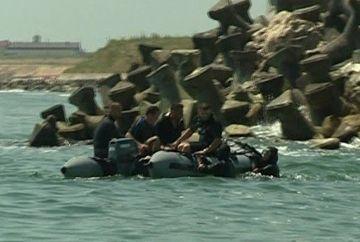 Desfasurare de forte pe mare, in statiunea Costinesti! Un barbat a disparut in timpul unei plimbari cu barca