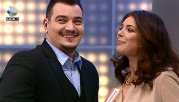 """Cristina ICH, declaratie de dragoste inedita pentru Bursucu! Uite cum il da gata pe prezentatorul de la """"Roata Norocului"""", azi, de la 20.00, la Kanal D"""