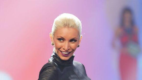 """Alina, despre reintalnirea cu Cristina Mihaela! Cele doua foste rivale de la """"Bravo, ai stil!"""" sunt colege la noul show """"Bravo, ai stil! Panorama"""" de luni, 17 aprilie, de la ora 10.30, la Kanal D"""
