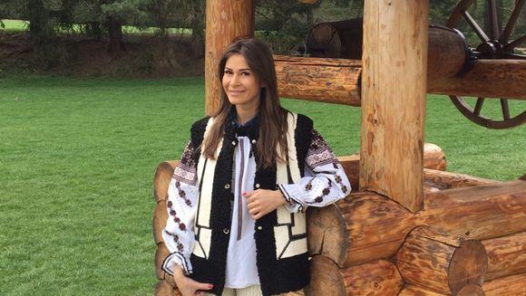 """Cristina Mihaela, prezentatoarea emisiunii """"Bravo, ai stil! Panorama"""", a petrecut Pastele in Bucovina"""