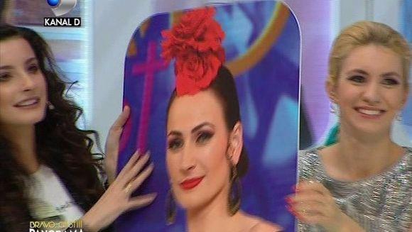 "Ioana s-a razbunat, la ""Bravo, ai stil! Panorama"", pe Petronela pentru ca a eliminat-o din competitie! Si-a pus peste fata panoul cu chipul ei si a inceput sa o imite"