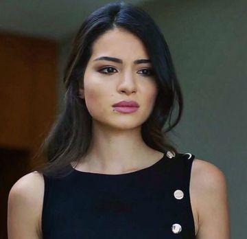 """""""Asu"""" din serialul """"Dragoste infinita"""" este o fosta Miss Turcia! Uite cum arata atunci cand a fost declarata """"cea mai frumoasa femeie din Turcia"""""""