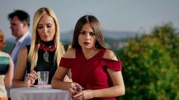 """Doamne, cat de sexy e Muge din """"Bahar: Viata furata""""! Actrita Bahar Şahin are doar 20 ani si e  e de nerescunoscut in viata reala!"""