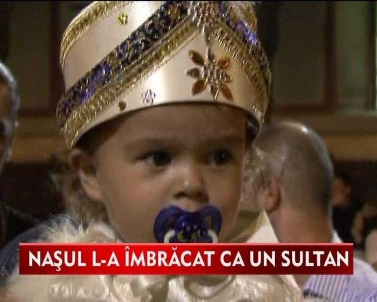 L-au facut mai ceva ca pe un sultan! Micutul Raul a avut parte de cel mai imparatesc botez