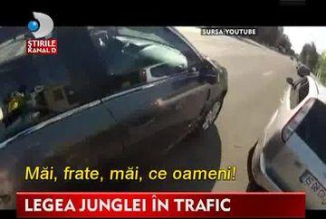 LEGEA JUNGLEI in trafic! Un sofer a fost la un pas sa mature pe jos cu un biciclist
