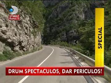 Drum SPECTACULOS, dar PERICULOS! Mare atentie la cum conduceti pe soselele dificile VIDEO