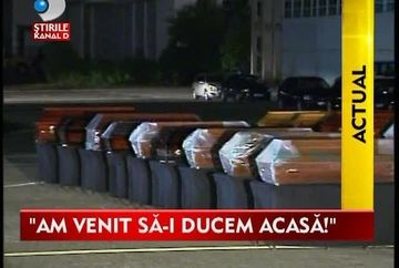 Au curs RAURI DE LACRIMI! Cei 18 romani morti in Muntenegru au ajuns la familiile lor VIDEO