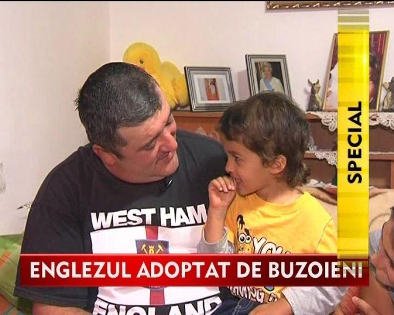 BUZOIANUL cu o inima de aur! I-a redat zambetul si copilaria unui baietel englez VIDEO
