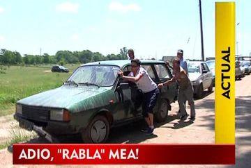 """Si-au luat adio de la """"RABLE"""" in lacrimi! Imagini cu proprietari stand la coada in camp pentru celebrele tichete VIDEO"""