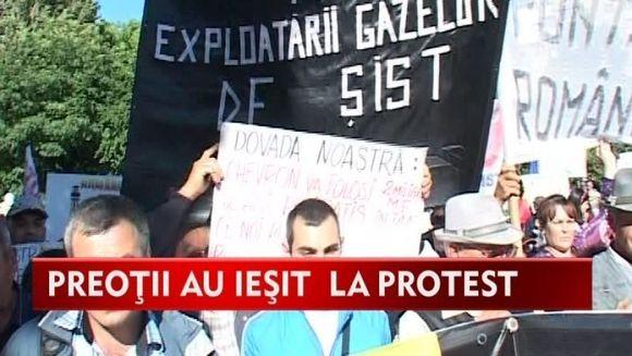 Slujitorii Domnului au organizat cel mai mare protest din Moldova! Preotii vor sa impiedice exploatarea gazelor de sist VIDEO