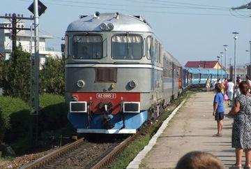 Cum vor circula TRENURILE de 1 Mai si de Paste. Lista rutelor suplimentare si a trenurilor suspendate