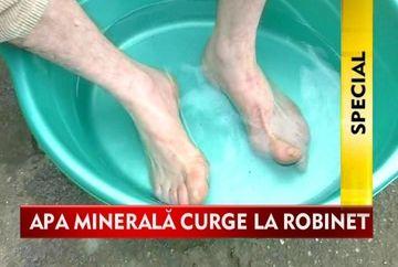 CEI MAI FERICITI SATENI! Au propriul izvor cu apa minerala VIDEO