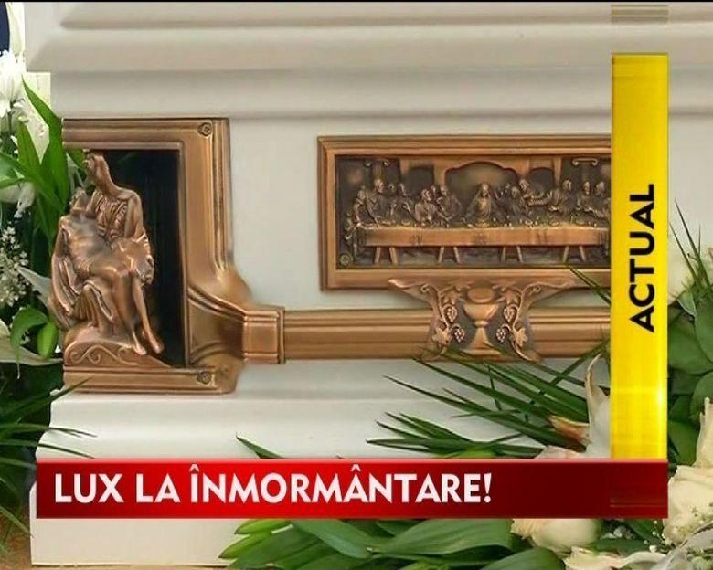 Lux, fast si bogatie la cea mai comentata inmormantare VIDEO
