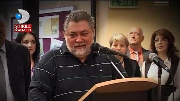 Il plange un oras intreg! Trupul neinsufletit al lui Dumitru Sechelariu a fost adus la Bacau VIDEO