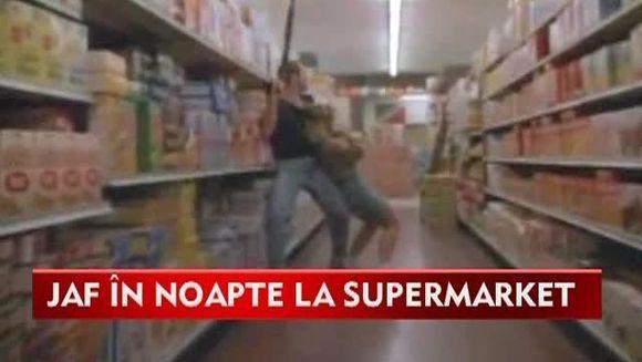 JAF in toiul noptii la un supermarket din Berceni! Hotii au legat angajatele si au furat tot ce au gasit VIDEO