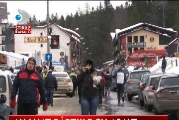 MII de turisti au profitat de vremea frumoasa si au luat cu asalt partiile din statiunile montane VIDEO