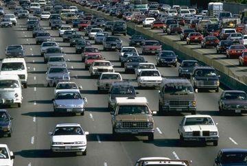 O NOUA TAXA AUTO. Cum se calculeaza timbrul de mediu pentru masini?