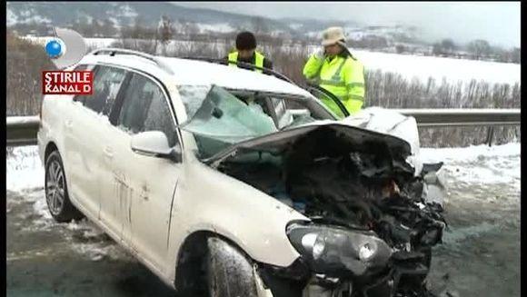 Accident CUMPLIT pe DN 1! Un barbat a murit pe loc dupa ce masina in care se afla a fost lovita in plin de un TIR VIDEO