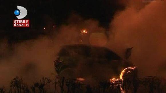 Au fost la un pas de MOARTE dupa ce masina cumparata de 2 saptamani a ars ca o torta VIDEO