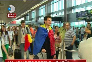 Olimpicii internationali romani si-au adus TROFEELE acasa VIDEO