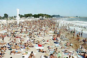 Ultimul week-end din sezonul estival. Turistii au luat cu asalt litoralul