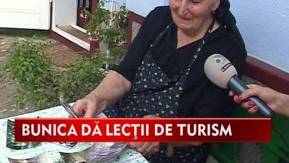 Politicienii au ce invata de la ea! Bunica Eugenia da adevarate lectii de turism VIDEO