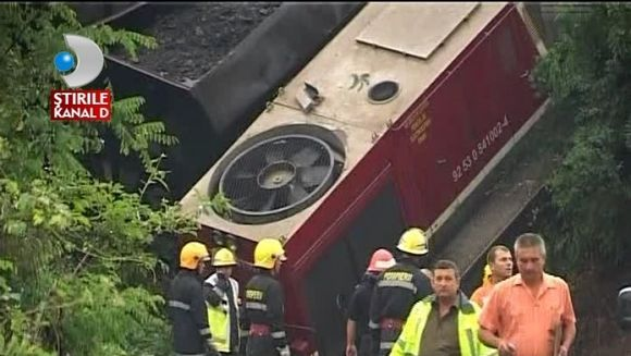 Grav accident feroviar in Dambovita! Un marfar scapat de sub control s-a rasturnat de pe sine VIDEO