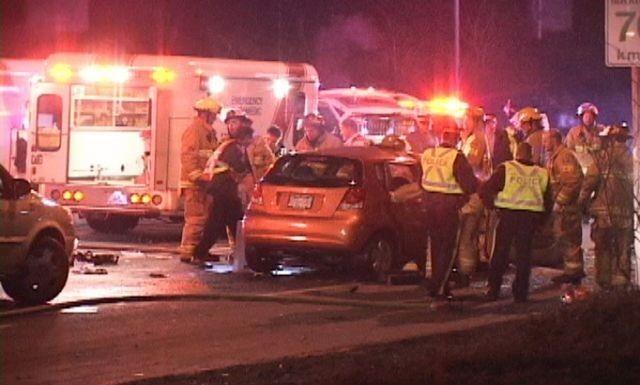 Grav accident in Craiova. Cinci persoane ranite, o ambulanta avariata