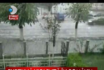 Romania cuprinsa de furtuni puternice VIDEO